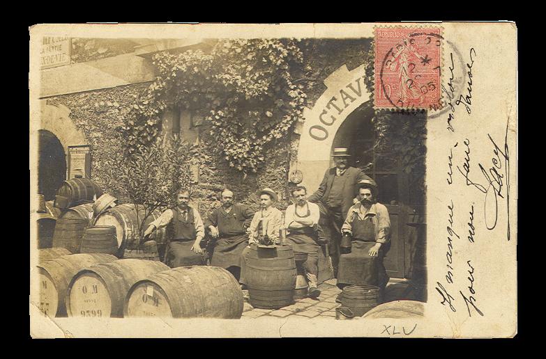 Carte postale ancienne représentant des négociants au sein des entrepôts de Bercy